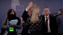 Юнкер потрепал чиновницу за волосы и кинул бумаги на пол во время саммита ЕС