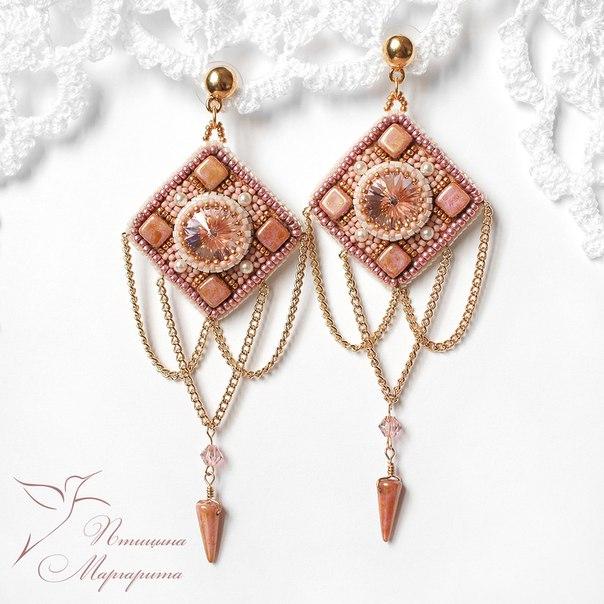 Серьги Розовое золото . Бисер, компоненты Swarovski, чешское стекло, позолоченные цепочки…. (2 фото) - картинка