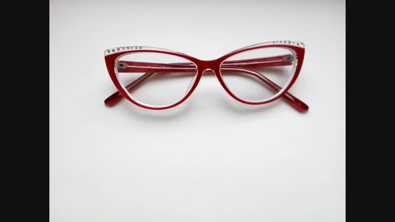 Яркие очки, лисички, кошачьи глазки, оправа Salvo, вставка линз по рецепту