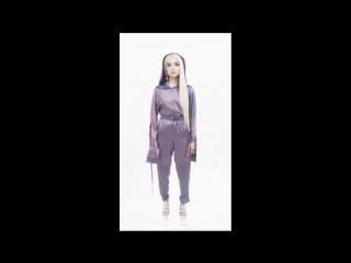 Poppy - Time Is Up (feat. Diplo) [Vertical Video]