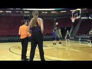 DT vs BG 3-point contest! #WNBAAllDay #MercAtStorm