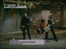 Green Day - Boulevard Of Broken Dreams (Official Video)