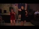 Вот как надо зажигать под белые розы! Russian girls dance