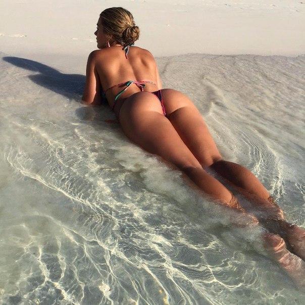Bareback sex with booty cream felching