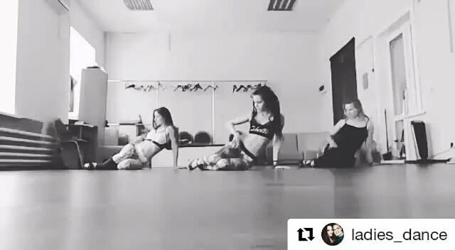Евгения on Instagram Танцуем с нашей необыкновенной @dreadstyle by ksu 😍 Repost @ladies dance with @repostapp ・・・ 💜Стрип Приват от stripbyksyu☣