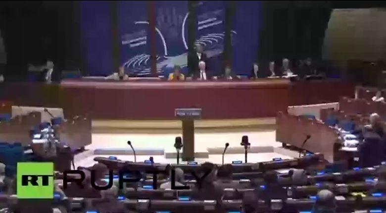 Российскую делегацию в ПАСЕ подняли на смех (видео)