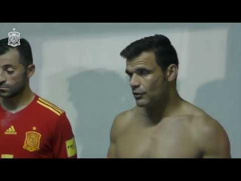 El capitán Dona arenga al equipo al término de la Copa Intercontinental