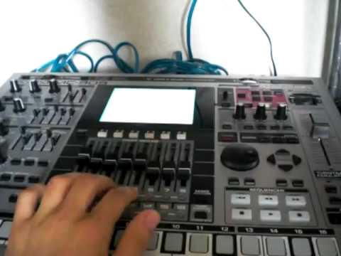 ROLAND MC-909