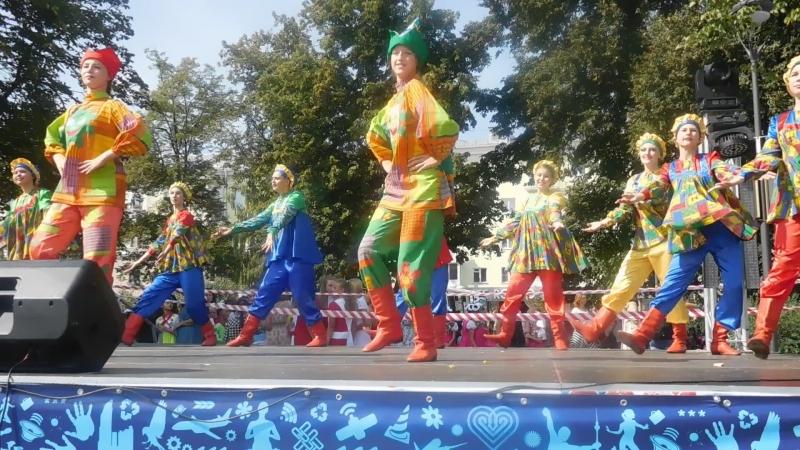 DSCN2407 Танцевальный коллектив КАРАМБОЛЬ