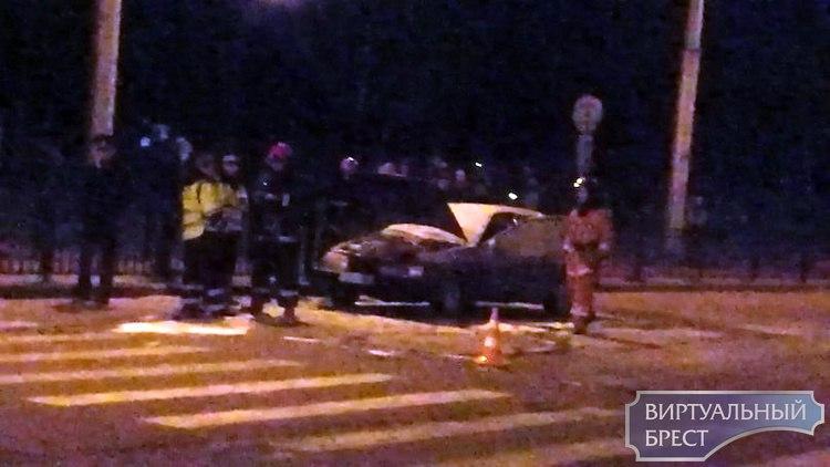 Сотрудники ГАИ остановили автомобиль, а он загорелся