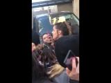 Alycia Debnam-Carey with fans | FearTWD Argentina