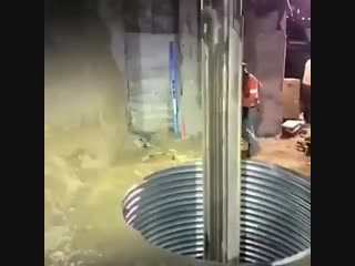 Невероятное бурение шахты. Недетский ямобур.
