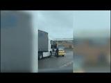 Британские мотоциклисты задержали фуру с угнанными байками