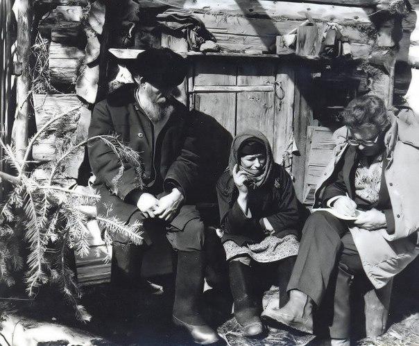 История одной русской семьи, которая была отрезана от всех контактов с людьми и даже не подозревала о Второй мировой войне В 1978 году советские геологи в сибирской глуши обнаружили семью из