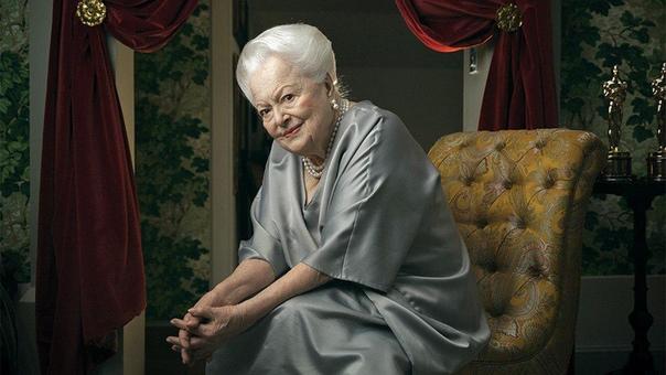 Последняя голливудская кинодива из 30-х Последней из ныне живущих голливудских кинодив 1930-х Оливии Де Хэвилленд исполнилось 103. Оливия обладательница двух Оскаров и Дама-командор Ордена
