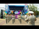Запальний вйськовий оркестр та гурт Дздзьо на День мста вдбулося яскраве шоу. Частина 2