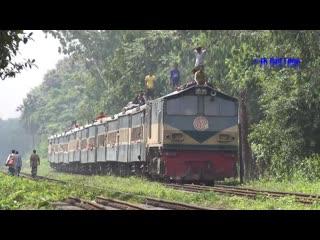 """dhaka to tarakandi agnibina express powered by br emd 2713 diesel locomotive- bangladesh railway"""