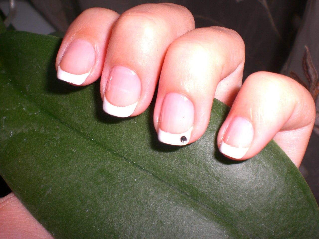 Наращивание очень маленьких ногтей фото