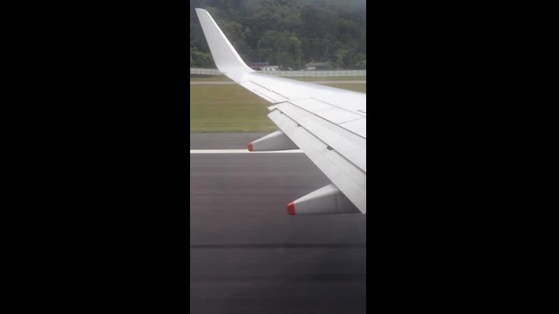 Boeing 737-800 9V-MGF ак Silk Air взлёт из аэропорта Пхукет. Рейс Пхукет-Сингапур.