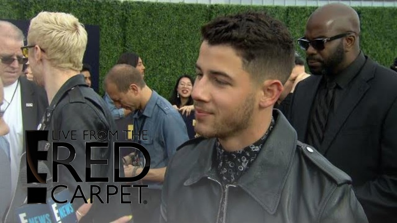 Did Nick Jonas Fly Solo to the 2018 MTV Movie TV Awards? | E! Live from the Red Carpet