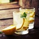 Зачем нужно пить воду с лимоном утром