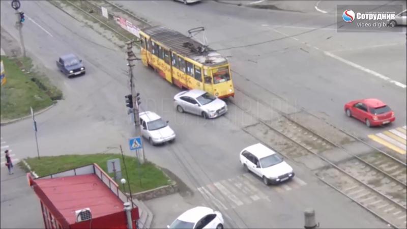 Невнимательность на перекрёстке Мерлина - Гастелло.
