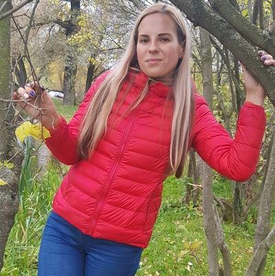 Аня Сухарь