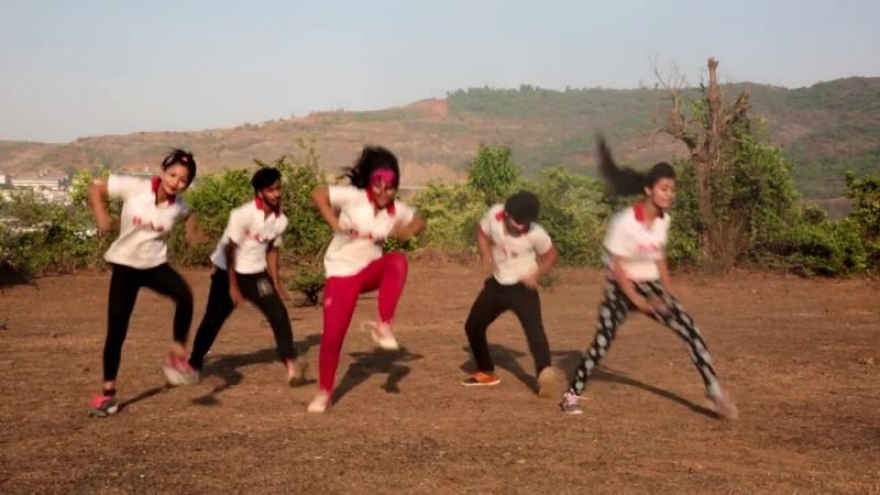 Kar Gayi Chull - Kapoor Sons - Sidharth Malhotra - Alia Bhatt - Badshah BADDIES Fitness Video