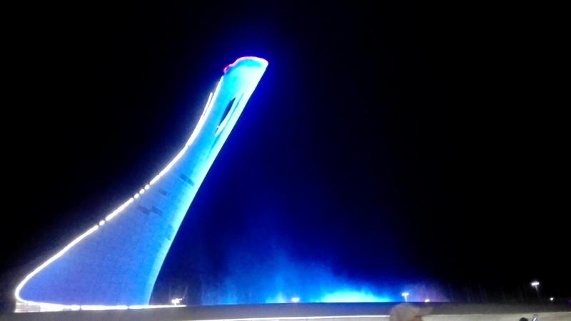 закрытие поющих фонтанов в олемпийском.mp4