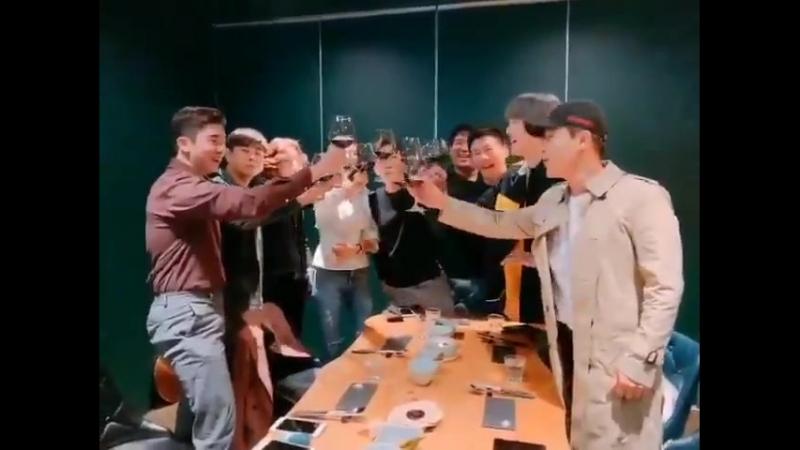 Actualización en Instagram de Michael Lee con Dongwoo -