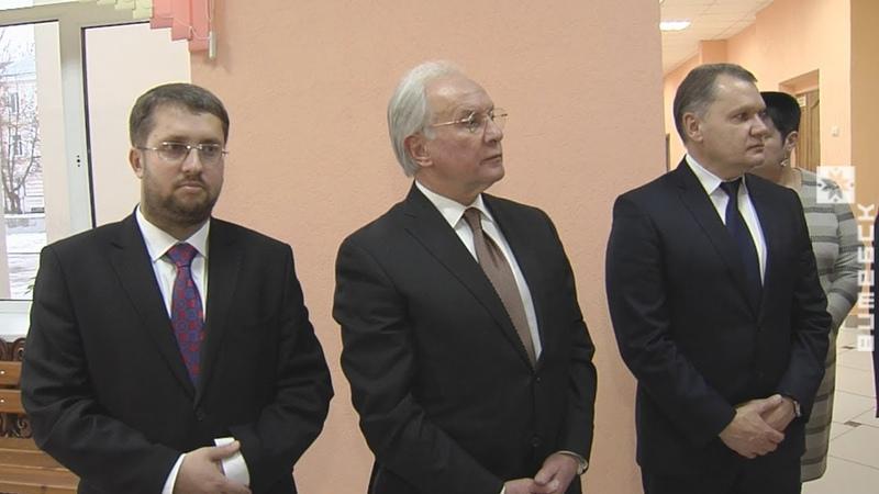 Экс-министр иностранных дел Мартынов приехал на юбилей школы в Витебск (11.12.2018)