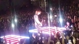 Keith urban gives away his guitar 81818. Tinley park Illinois