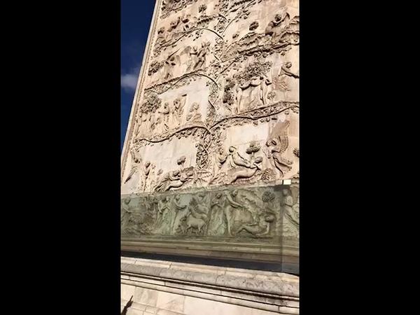 В городке Орвието в Умбрии я рассказываю о барельефах Дуомо
