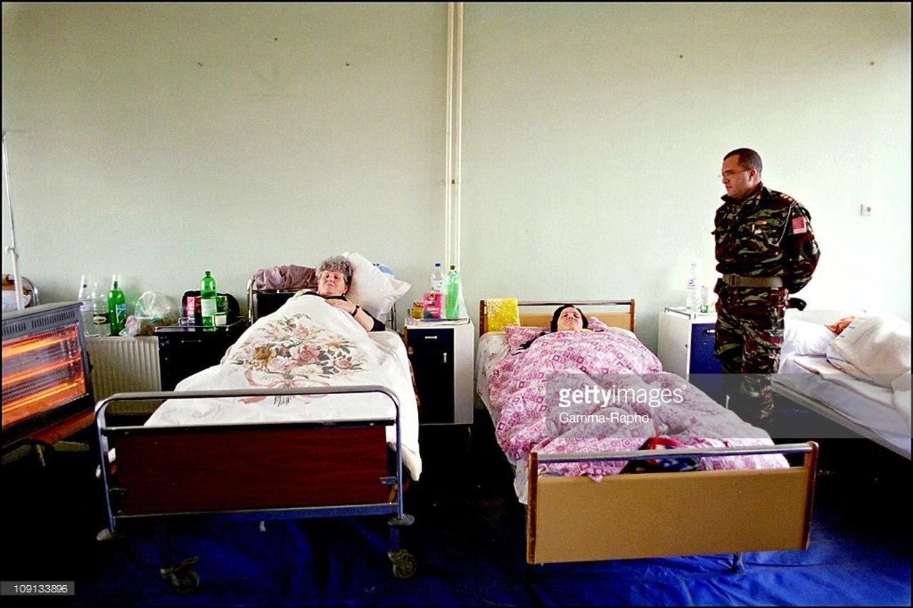 Photos de nos soldats et des Bases Marocaines - Page 2 9-yPco9XQJw