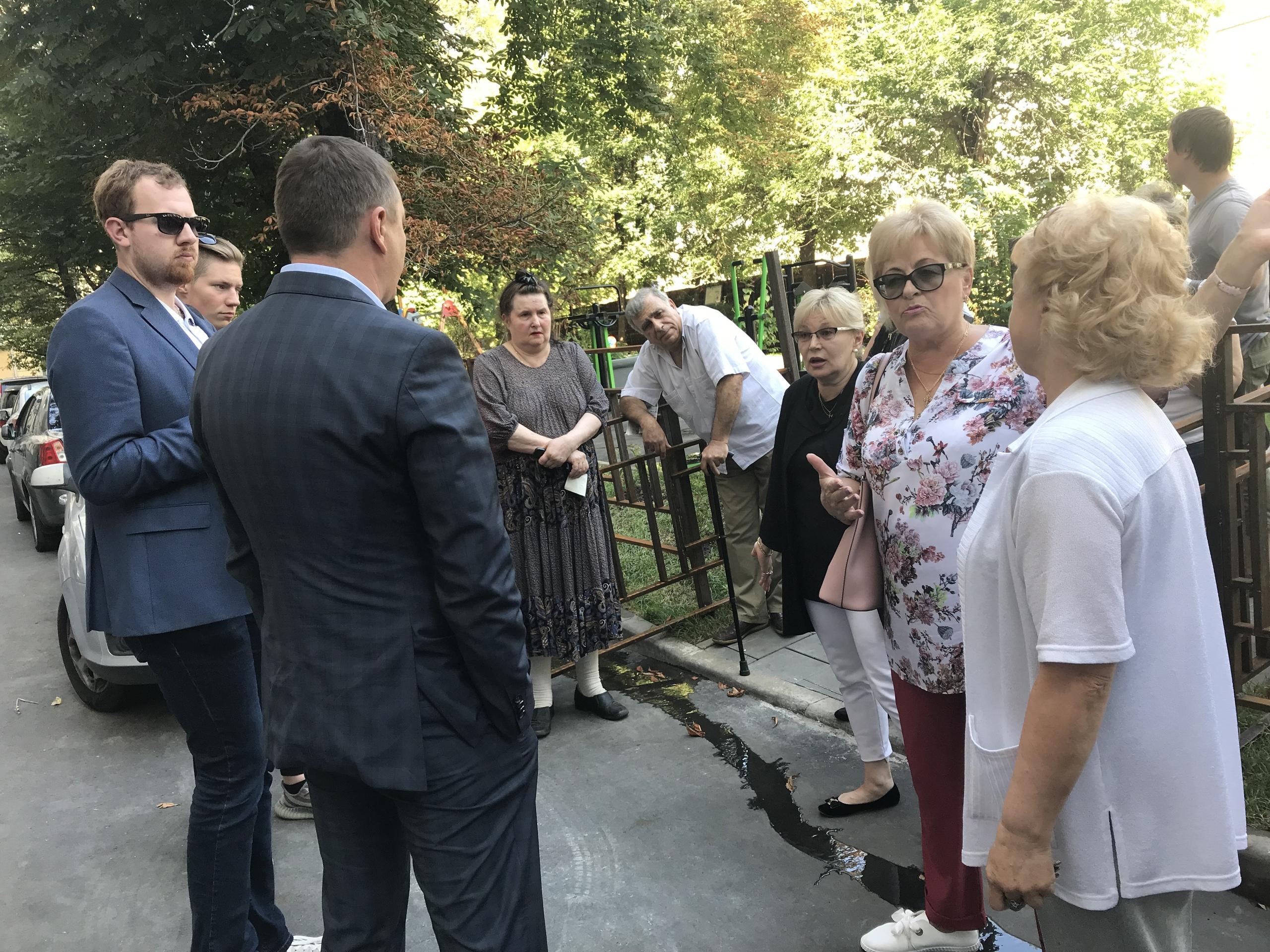 Глава управы Сергей Носков провел встречу с жителями района. Фото: официальная страница Сергея Носкова в социальных сетях