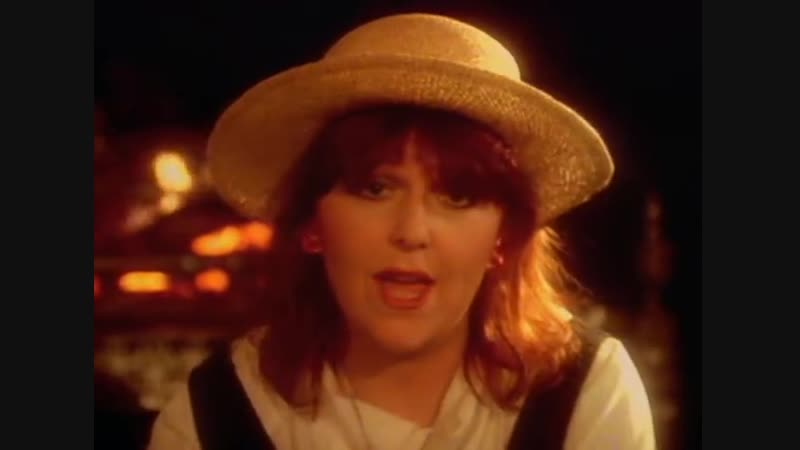 Mike_Oldfield_-_Moonlight_Shadow_ft_Maggie_Reilly_640x480