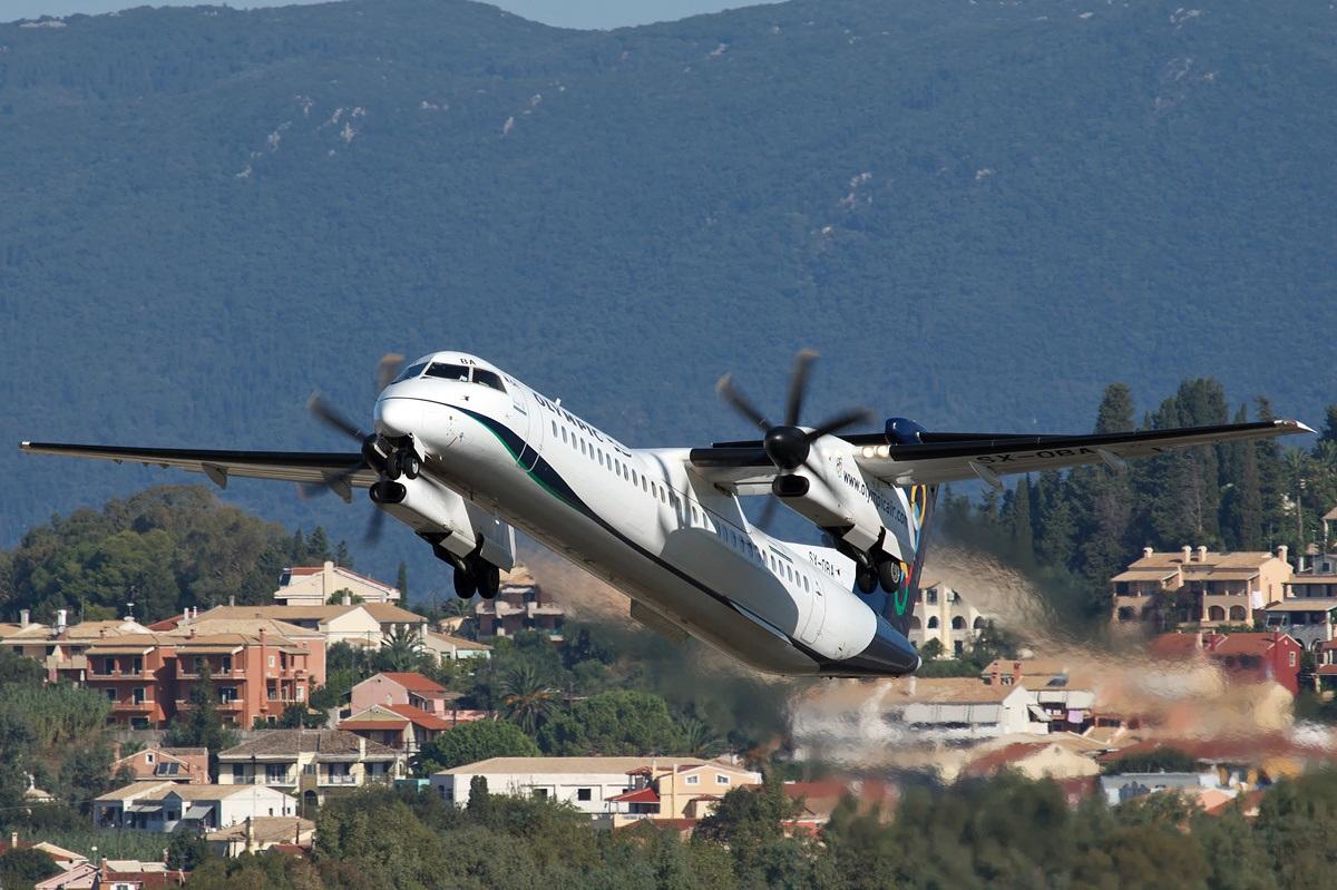 Взлет самолета компании Olympic Air