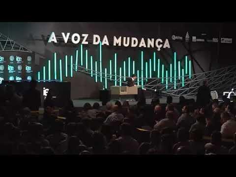 Ciro Gomes brilha no fórum da liberdade