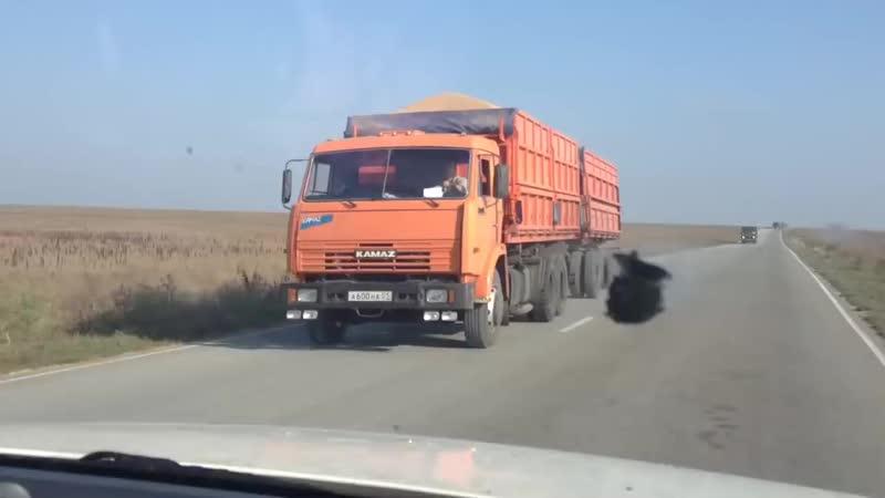 Зерновозы на Тамани.mp4