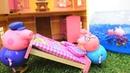 La familia de Peppa se muda a una nueva casa Vídeo de juguetes Peppa Pig