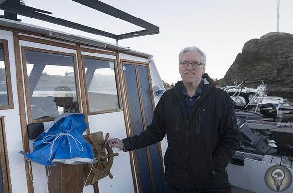 Правила жизни учителя из норвежской глубинки Арне Стоксвик, учитель, рыбак, пенсионер, 71 год, остров Ловунн, Норвегия «Если я не буду работать, я сяду в кресло и заболею» Норвегия страна