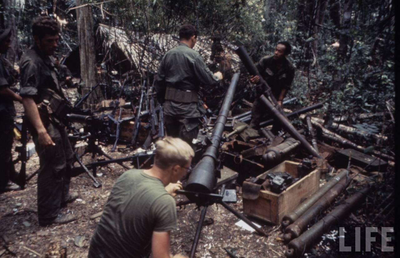 guerre du vietnam - Page 2 Q2_Nv9o2yTk