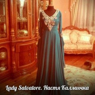 Вечерние платья из эмиратов