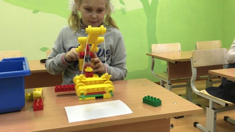 Подъемный кран из Лего;)