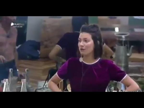 RAFAEL ILHA PARTE PRA CIMA DE GABI PRADO APÓS FORMAÇÃO DE ROÇA.