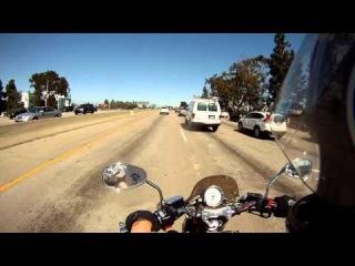 По хайвею I-10, Лос Анджелес (Riding Yamaha V-Max on I-10, Los Angeles)