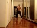 А вот так танцуют крутые парни