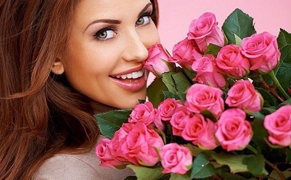 Поздравление девушка с улыбкой милой