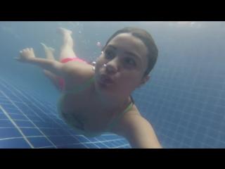Vanessa underwater