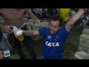 Thiago Gisetti nao segura as emoções no gol do Edilson